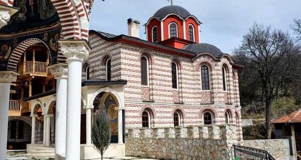 Чудо на чудесата! Аязмото в пернишки манастир лекува 100 болести