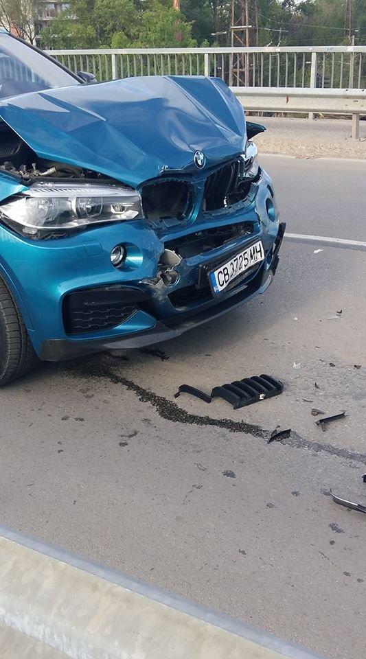 Жената на Коко Динев катастрофира