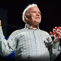 Бащата на PCR теста Кари Мълис: COVID-19 Е ИЗМАМА! Ползват изобретението ми за мръсни нехуманни цели