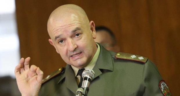 Генерал Венцислав Мутафчийски се закани: Ще задължа всички да се ваксинирате!