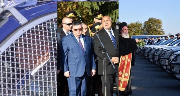 На 7 октомври 2018 г. Бойко кара новите джипове и прави пищен водосвет а днес за ГЕРБ Радев е виновен
