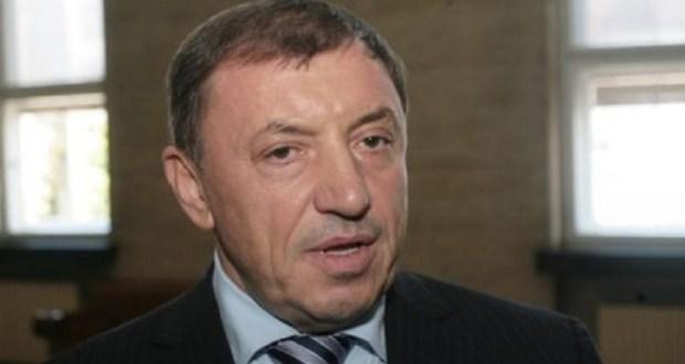 Алексей Петров в ефир: Борисов крие че е бил арестуван в Унгария и е лежал в затвора в Чехия за кражба!