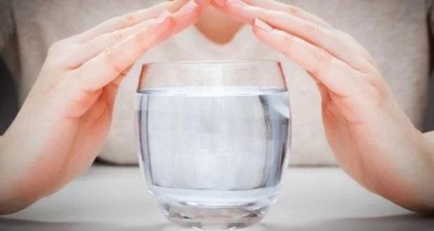 Този ритуал с вода гони черната магия и пречиства дома ви