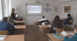Русенка бясна: Децата ми се разболяха заради широко отворените прозорци в класните стаи