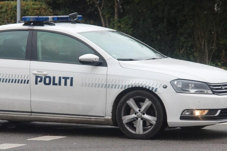 To mænd anholdt – Sad og røg hash i bilen