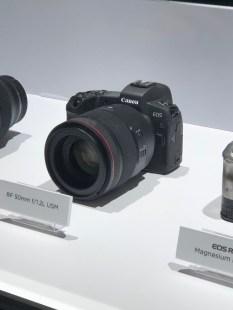 Die Canon EOS R mit 1,2/50