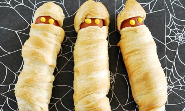 Momies hot dogs d'halloween