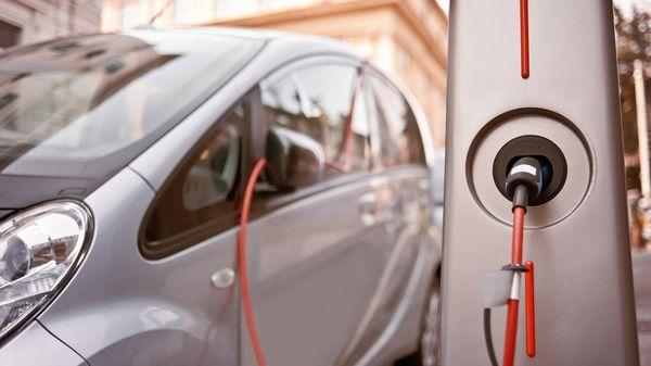 Las principales marcas automotrices presentarán en el 2017 nuevos modelos de vehículos eléctricos