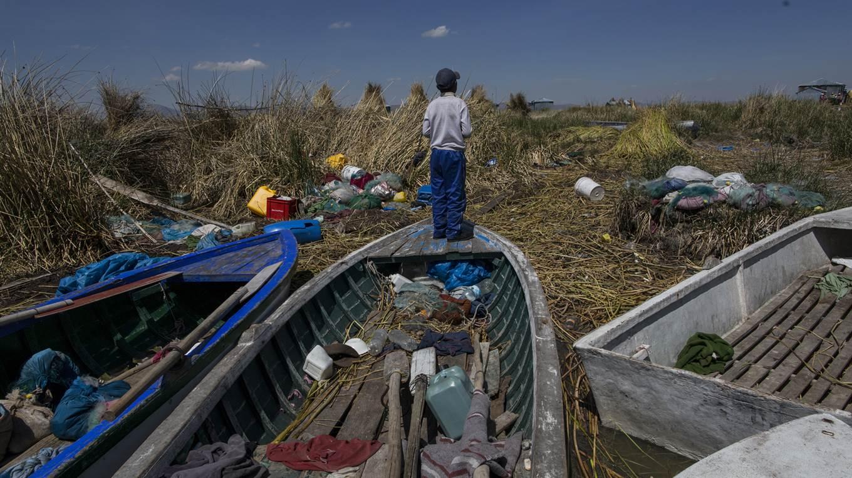 Lago Titicaca Contaminado, Desperdicios