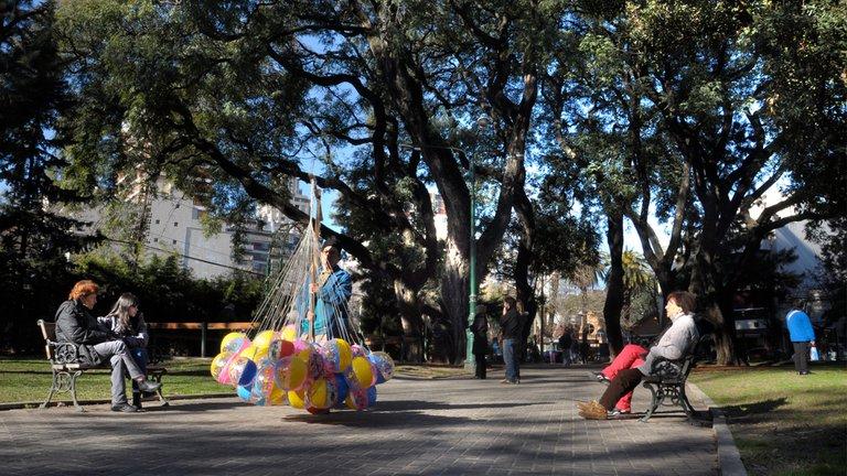 Crisis Urbana en Buenos Aires, los metros cuadrados verdes por habitantes son escasos.