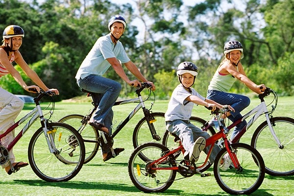 Cultura del Movimiento, andar en bicicleta en familia.