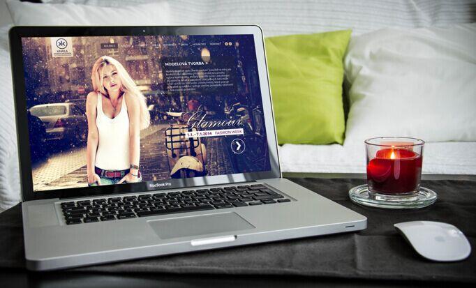 FREE Apple MacBook Pro PSD layers MOCKUP