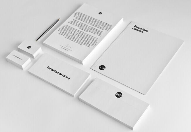 freebie-mock-up-branding-stationery