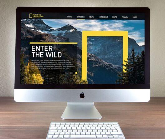 Free 27 Inches Apple iMac Photo Mockup PSD