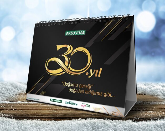 Free Calendar Mock-up PSD