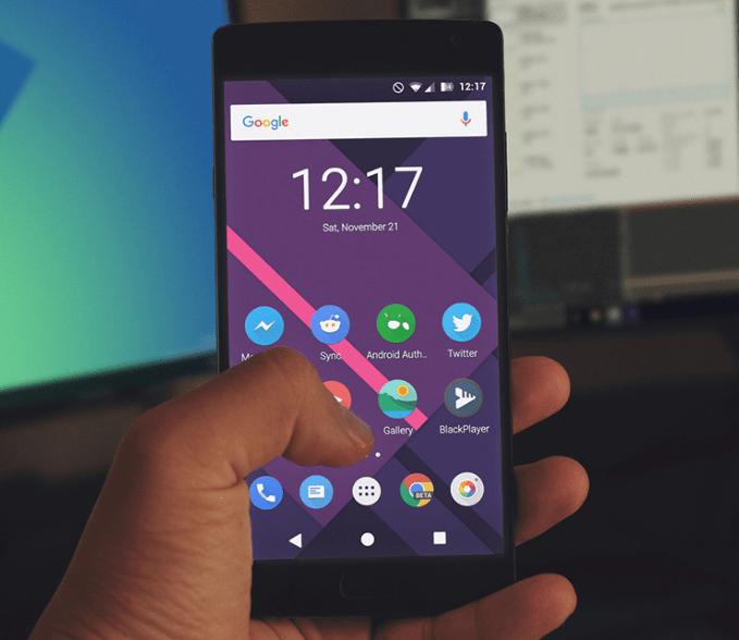 Smartphone Mockup - Free PSD-min