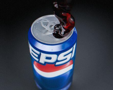 3D Pepsi Can PSD Mockup