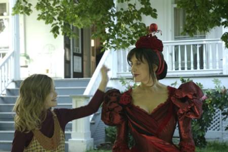 Still from Phoebe in Wonderland (2008)