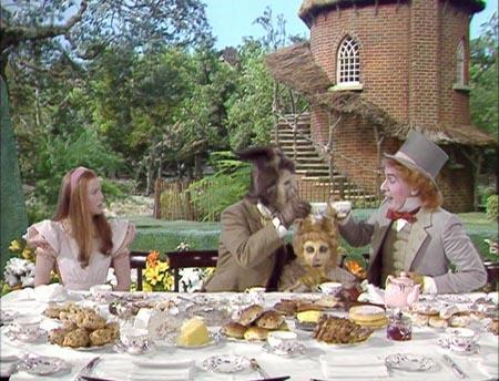 Still from Alice in Wonderland (1986)