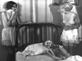 Still from Night Nurse (1931)