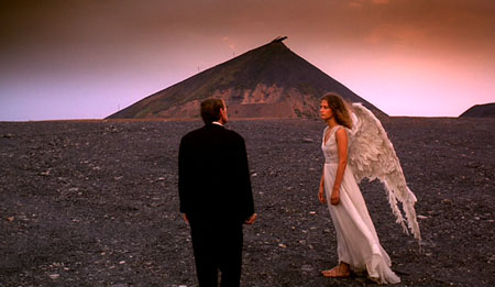 Still from Angelus (2000)