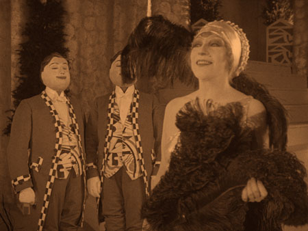 Still from L'inhumaine (1924)