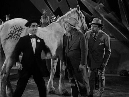 Still from Hellzapoppin' (1941)