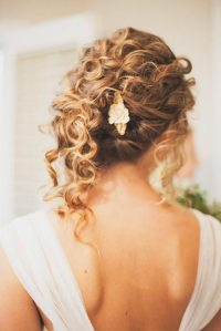 33 Modern Curly Hairstyles That Will Slay on Your Wedding ...