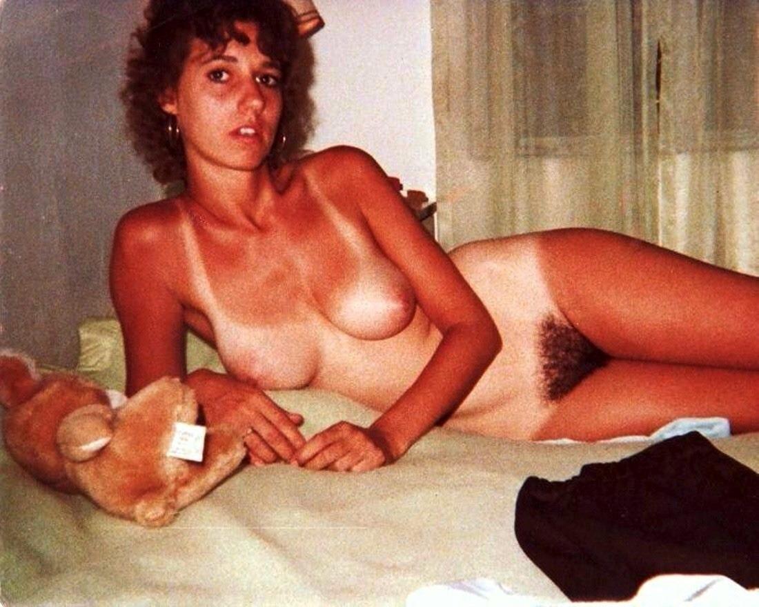 Read Polaroid vintage nude women not clear