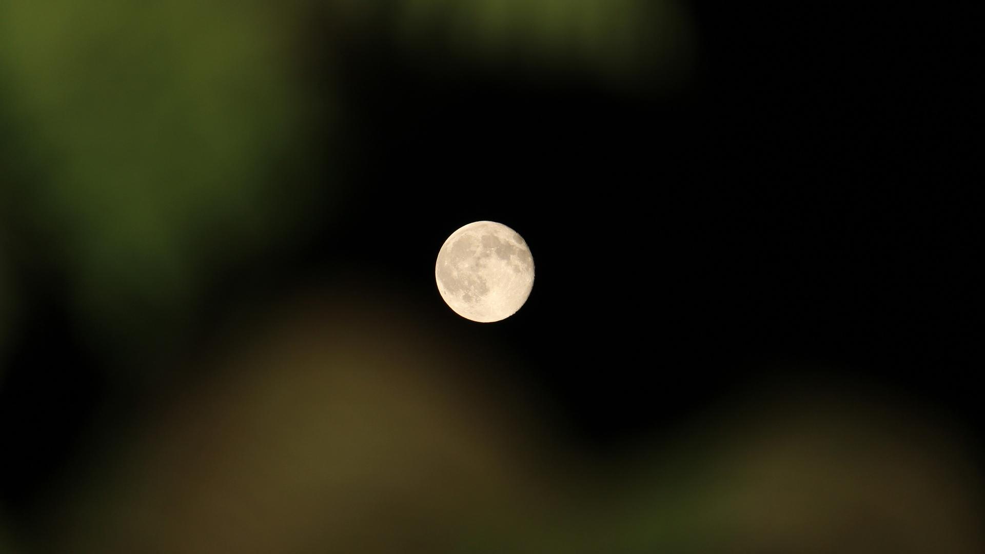 Full Moon June 13-14 2014