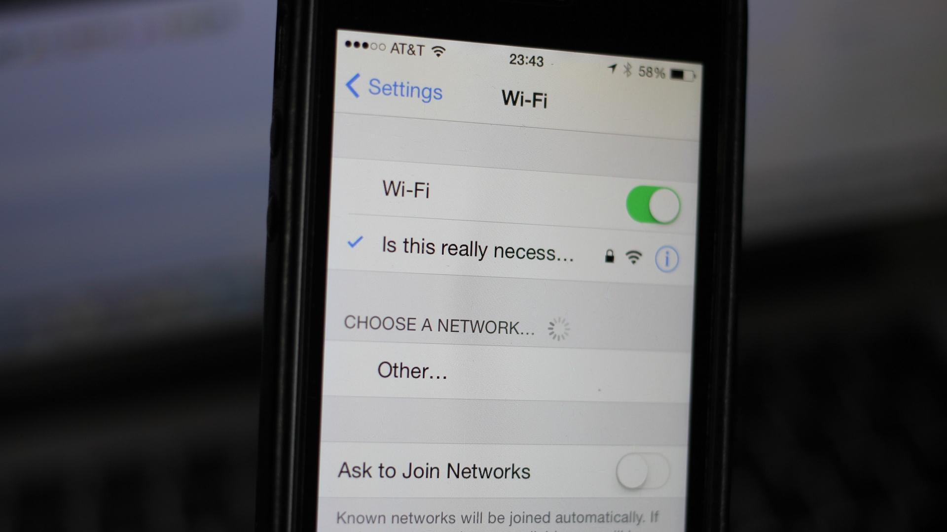 iOs 8 on iPhone Wi-Fi Scanning