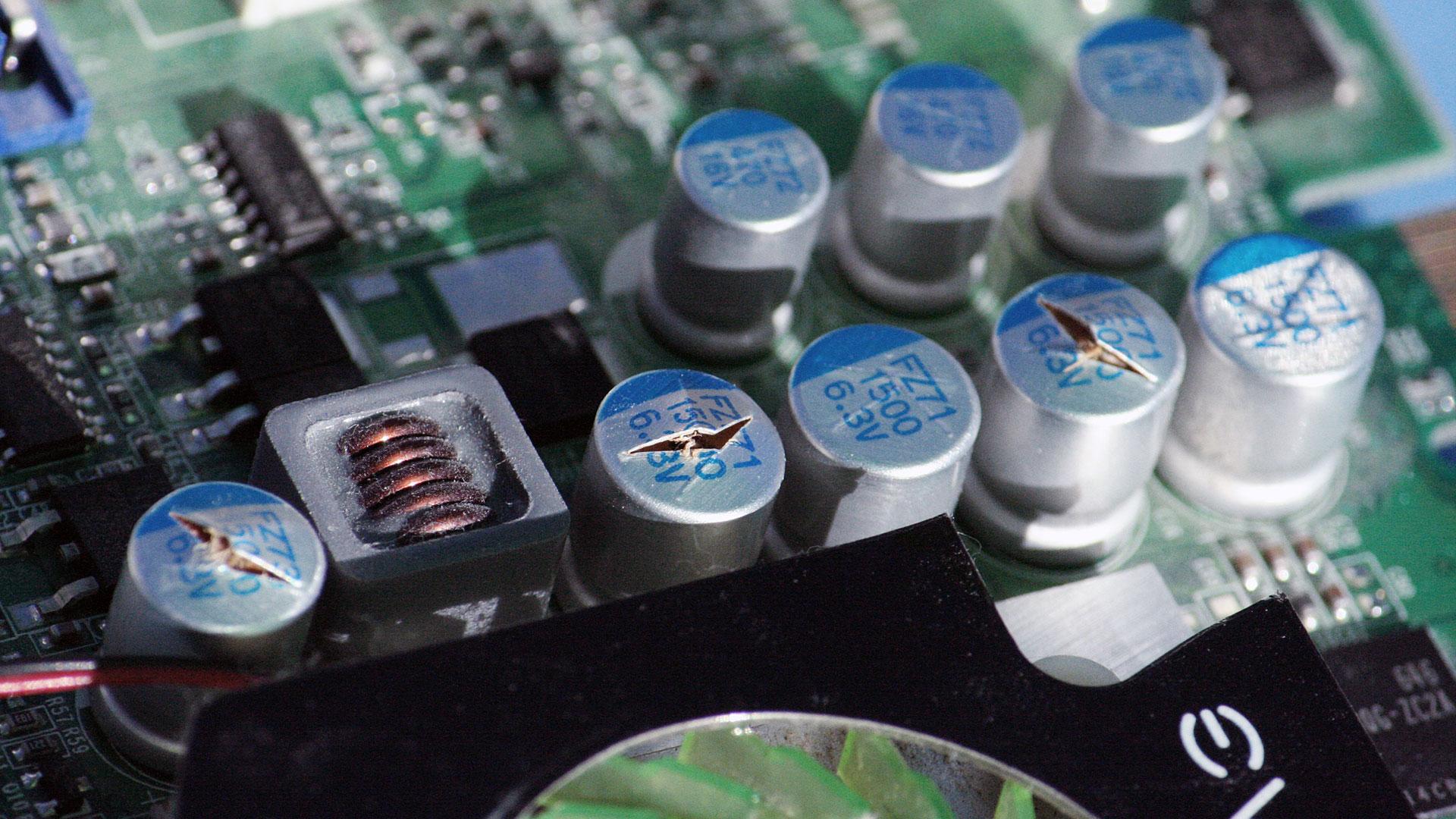 evga_nvidia_blown_capacitors_1080