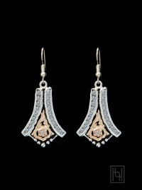 Engraved Chandelier Earrings w/ Crystal Clear - Hyo Silver