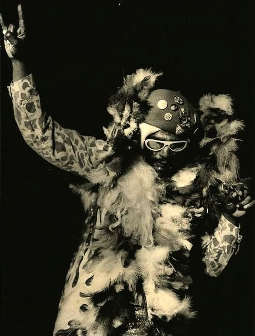 July 22th 1941, Born on this day, George Clinton FUNKLEGEND PFUNKHERO www.youtube.com/watch?v=LuyS9M8T03A