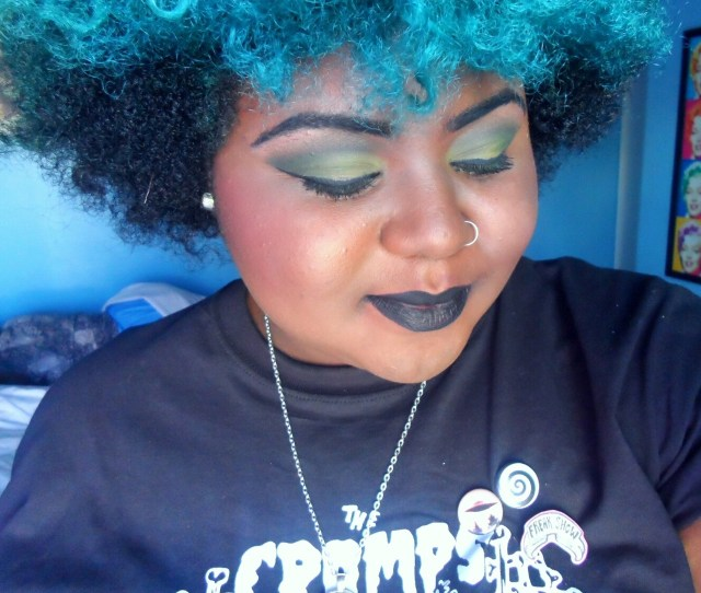 Me Not Really Chubby Blue Hair Black Lipstick Fatspo Effyourbeautystandards Honormycurves Blue Afro Hantisedeloubli 6 Selfies