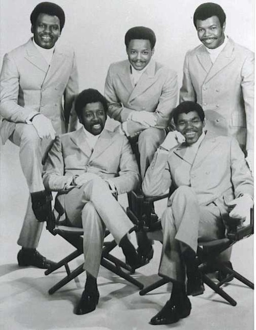 July 23th 1976, The Manhattans started a two week run at No.1 on the US singles chart with 'Kiss And Say Goodbye' https://www.youtube.com/watch?v=sARlnKk23xw