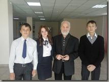 Чтецы с сопредседателем писателей России В.Н.Крупиным