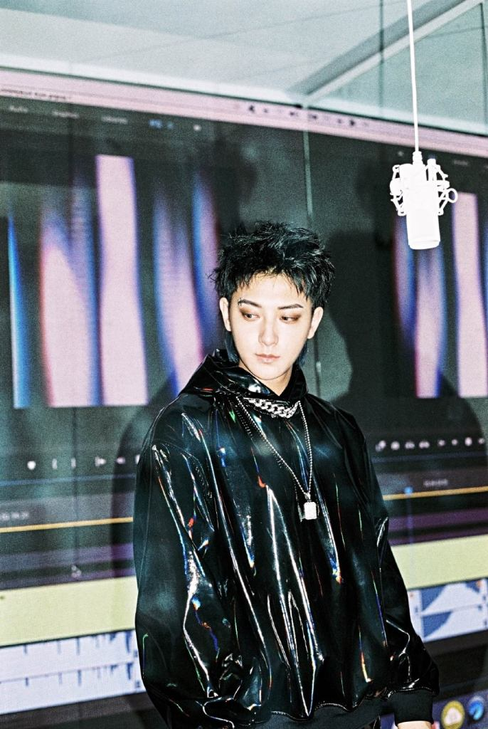 Huang Zitao Announces Departure from Weibo After Getting Backlash on Heartfelt Post