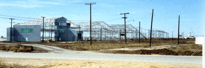 1000x335 Construx of hangers along flight line 1958