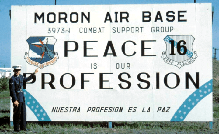 800x491 Moron sign Barry Heinzel on the right 1960