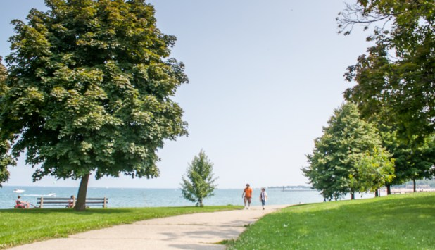 Where Edgewater Chicago meet is one of the best places in Chicago to visit. The Edgewater Chicago neighborhood has a lot to offer