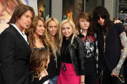 billy ray cyrus family photo