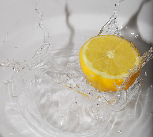 lemon water photo