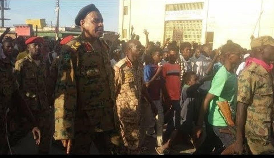 انتفاضة السودان تنتزع المدن من قبضة السلطة