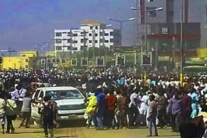 المدن السودانية تواصل الانتفاض والمعارضة تتهيأ للعصيان