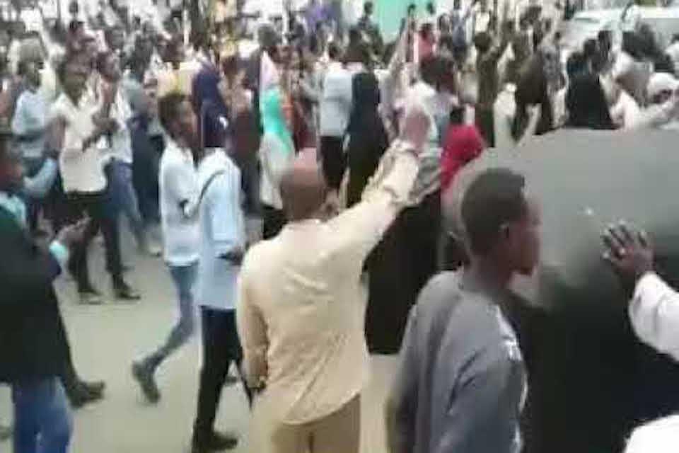 بورتسودان.. حكايات لم ترو عن ثورة المدينة
