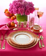 PINK-TABLE-SETTING-CLOTH-GOLD-FLATWARE1