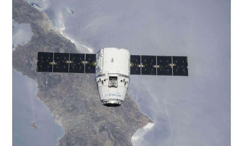 La cápsula Dragon de SpaceX, vista aquí en una configuración de carga, durante una misión de la NASA a la Estación Espacial Internacional en julio 20
