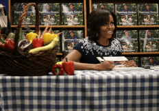 Michelle Obama book signing18