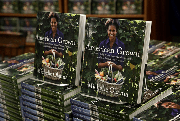 Michelle Obama book signing21